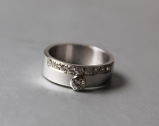bague-or-gris-diamants-1