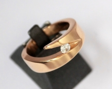 bague-or-jaune-moissanite-